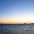 写真: 夜明け前@南三陸・志津川湾