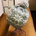 写真: 雪柄帽子