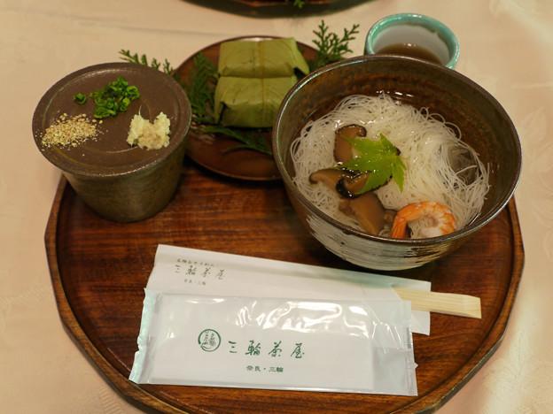 三輪そうめんと柿の葉寿司