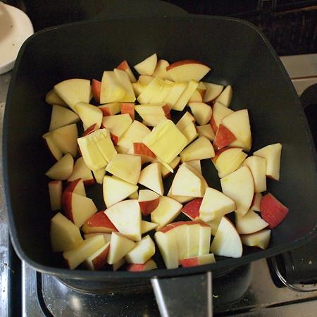 りんご2個、バター20g