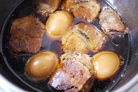 合計6時間煮込んだ豚肉