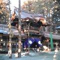 写真: 諏訪大社春宮へ来ました。神様は今日、秋宮からこの春宮へお引っ越し...