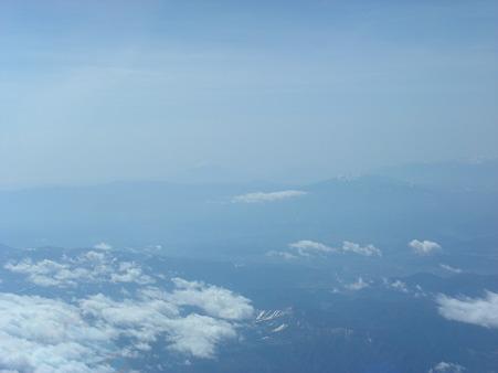 長野市上空にて遠くに富士山が