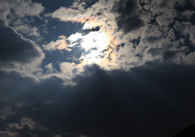 Photos: 光と雲の芸術