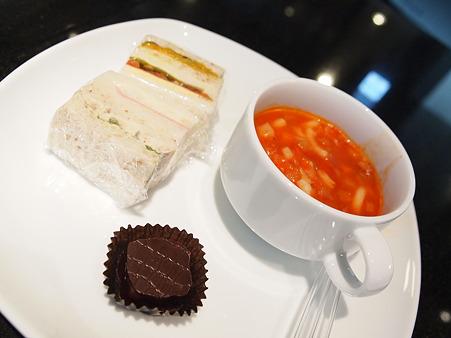 羽田空港ANAラウンジの食事