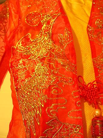 ベトナムの結婚式衣装1