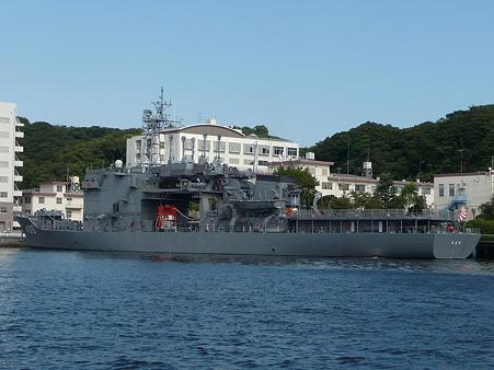 101008-よこすか軍港めぐり (56)