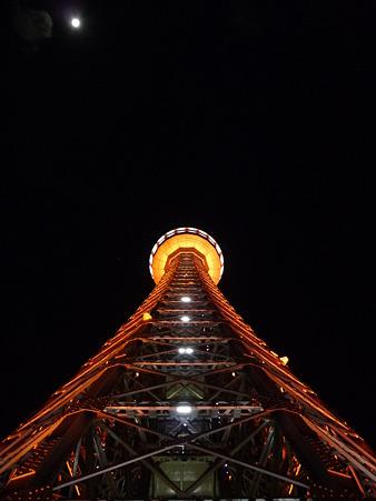 マリンタワー 下り足元全景 (1)