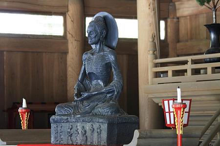 2010.06.01 建長寺 法堂 釈迦苦行像
