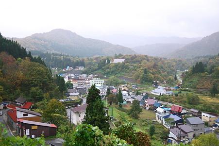 2010.10.26 肘折温泉 雨中全景