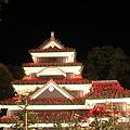 写真: 見上げた松本城