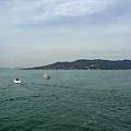 写真: レインボーのこから能古島を見る