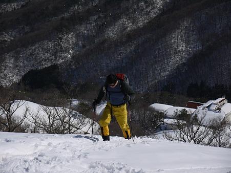 登るミノさん2